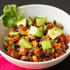Planning for Superbowl Sunday? It's ONE week away! This smoky, hearty, healthy chili will surely be the star of the party... along with the commercials of course! Insider tip: Serve with lots of cold brews. Recipe link in bio. #chili #chilicookoff #superbowl #superbowl50 #football #superbowlcommercials #vegan #vegetarian #glutenfree #beer #beerpairing #beerfood #linkinbio