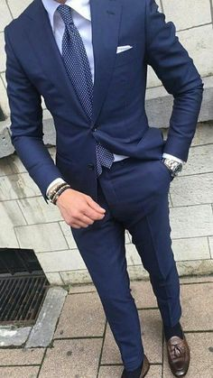 💗Excellent info on buying a custom suit online! Mens Fashion Blog, Mens Fashion Suits, Style Fashion, Fashion Hats, Mens Suits Style, Fashion Trends, Womens Fashion, Blue Suit Men, Navy Suits