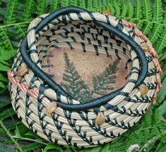 """Unique natural brown and green pine needle basket with Czech topaz leaf glass beads and a green fern pottery base entitled 'Woodland Ferns"""". Pine Needle Crafts, Pine Cone Crafts, Contemporary Baskets, Pine Needle Baskets, Pine Needles, General Crafts, Boho Diy, Weaving Art, Natural Brown"""