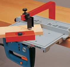Accessary for Precision Jigsaw Table A02 Adjustable workpieces up tp 80mm can be sawed in every angle. The guide is inserted in the nut of the jig saw table plate. The guide can be used from both sides.