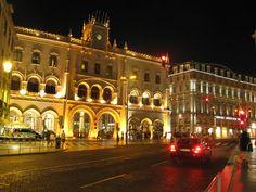 Estação do Rossio Mansions, House Styles, Traveling, Home Decor, Sidewalk, Lisbon, City, Architecture, Mansion Houses