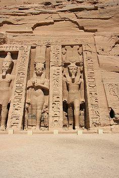 Ramsès et Néfertari  Abu  Simbel