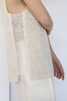 This statement piece features a classic square neckline that is high in the front and lower in the back. Off-set, sheer, side panels give unexpected yet sophisticated flair. Summer Knitting, Hand Knitting, Knitting Designs, Knitting Projects, Knit Fashion, Crochet Clothes, Pulls, Knit Crochet, Crochet Cushions