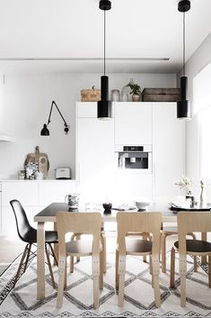Nordic Kitchen With Sleek White Cabinets Nordic Kitchen, Scandinavian Kitchen, Scandinavian Interior, Cosy Kitchen, Kitchen Modern, Contemporary Interior, Kitchen Interior, Interior Design Living Room, Kitchen Decor