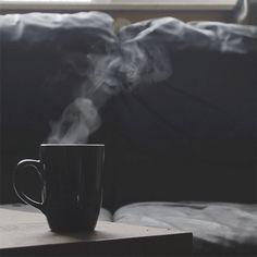 Beautiful colorful pictures and Gifs: Coffee Time - Tomando café Fotos I Love Coffee, My Coffee, Morning Coffee, Coffee Break, Good Morning, Coffee Shop, Coffee Cups, Tea Cups, Coffee Gif