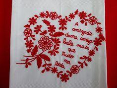 Bordado português a lembrar o lenço dos namorados. Portugal.