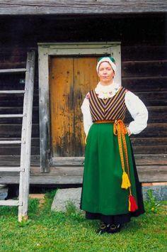 Malax Malax, Österbotten, Finland |  Kvinnodräkt Folkdräkter - Dräktbyrå - Brage