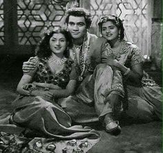 Madhubala, Premnath & Mohna in Saqi(1952).  www.bollywoodirect.com