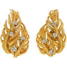 DAVID WEBB Diamond Set Gold Earrings ❤ liked on Polyvore featuring jewelry, earrings, diamond earrings, gold leaf earrings, gold diamond earrings, leaves earrings and 18k diamond earrings