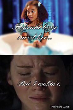 Rue and katniss Hunger Games Pin, Divergent Hunger Games, Hunger Games Memes, Hunger Games Cast, Hunger Games Fandom, Hunger Games Trilogy, I Volunteer As Tribute, Katniss Everdeen, Catching Fire