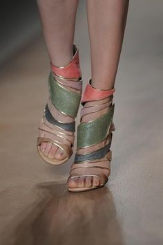 valentino shoe addict |2013 Fashion High Heels| shes too pale for these but i like them for me. lol