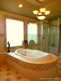 gorgeously simple southwestern bathroom