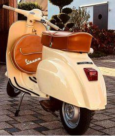 Vespa Vbb, Piaggio Vespa, Vespa Scooters, Vespa Girl, Scooter Girl, Fiat 500, Vespa Smallframe, Moto Scooter, Classic Vespa