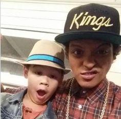 """@brunomars: Me and my lil homie superkailanger http://instagram.com/p/x7vXhtO82c/ """