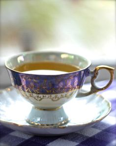 Love this cup n saucer design. Inspired to Decoupage this kind of look on my white cups n saucers