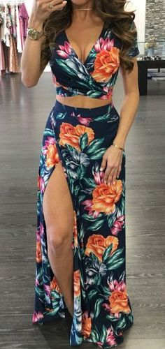 2 Piece Outfits, Dress Outfits, Cute Outfits, Fashion Outfits, Sport Outfits, Ladies Fashion, Maxi Skirt Crop Top, Maxi Skirts, Slit Skirt