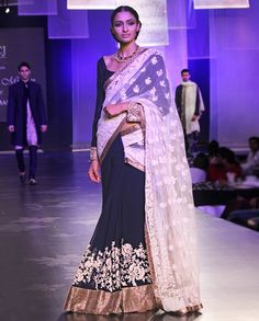 dying over this gorgeous Manish Malhotra - NAVY BLUE-OFFWHITE CHIKANKARI PATCH SAREE