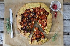 galette with goat and tomatoes