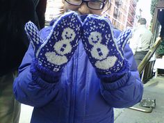 These are happy little mittens. Pattern Name: Snowman Mittens Free Pattern by Snowy Woods Knits
