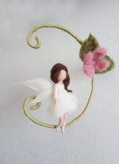 Items similar to Elf Flower Fairy 'Kampyon' on a handmade swing on Etsy Needle Felted Animals, Felt Animals, Wet Felting, Needle Felting, Felt Angel, Felt Fairy, Flower Fairies, Waldorf Dolls, Fairy Dolls