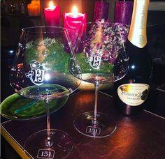 Bistro Bar 151 3 hours ago DANKE, an @perrierjouet_ für die wunderschönen Weihnachtsgeschenke! 151 gravierte Perrier Jouet Gläser🤩 Wir sind überwältigt🥰 @michael_komenda #perrierjouet #champagne #presents #finestglassware #151er #bistrobar151 #151 #klagenfurt #champagnelover #itstimetodrinkchampagneanddanceonthetable Bistro Bar, Klagenfurt, Thanks, Christmas Presents, Corning Glass, Nice Asses