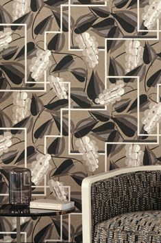 Tropical Wallpaper, Luxury Wallpaper, Inspiration, Decoration, Wall Papers, White Patterns, Shades Of Grey, Tropical Background, True Colors