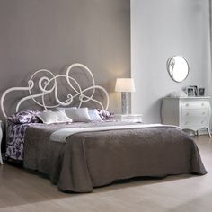 music bed this wrought iron bed has an amazing design that makes it seem like the