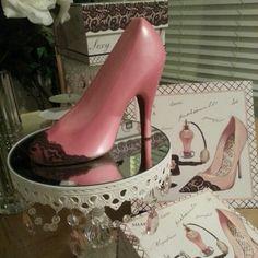 2lb pink w/brown lace trim Chocolate Stiletto
