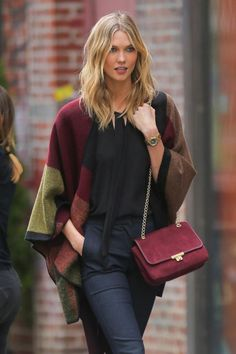 Karlie Kloss Off-Duty in Burberry | Supermodel Street Style