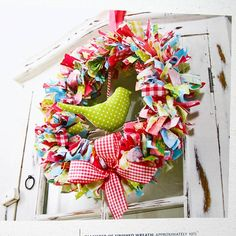 Colorful ribbon or strap fabric wreath. Wreath Crafts, Ribbon Crafts, Diy Wreath, Fabric Crafts, Rag Wreaths, Scrap Fabric, Book Wreath, Cute Crafts, Crafts To Make