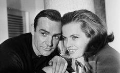 James Bond-filmeissä on usein vahvoja naisrooleja, mutta päävastuussa pahisten kukistamisessa ovat aina miehet.
