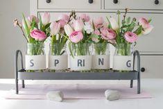 Der Schnee schmilzt, die Vögel zwitschern, die Blumen beginnen langsam zu spriessen und die Tage werden wieder länger. Es wird Frühling!