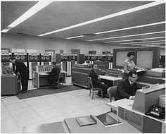 1960′s room-size computer