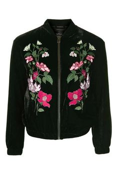 Stroll during daytime with this very feminine yet edgy bomber jacket.