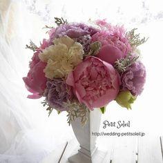 芍薬のブーケ ♡ ♡ #ウェディングブーケ #ブライダルブーケ #芍薬 #結婚式の花 #ウェディング装花 #ウェディングドレス #weddingbouquet #bridalbouquet #weddingflowers #peony