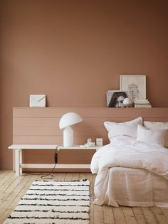 Farbenfroh Wohnen somewhere between caramel, adobe, terracotta and pink walls Understanding Autism I Home Interior Design, Interior Styling, Interior Architecture, Color Terracota, Jotun Lady, Bedroom Seating, Bedroom Paint Colors, Pink Walls, Home Decor Bedroom