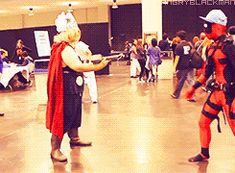 Deadpool gif. D-Piddy with Thor. Cosplayers