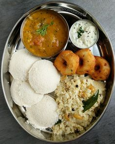 Cooking With SE Harsyed. These Cooking Tips Can Get You Started! Cooking is a necessary skill whether you live alone or need to feed a large family. Being educated in the cooking arts yields benefits ranging from better Veg Recipes, Indian Food Recipes, Vegetarian Recipes, Cooking Recipes, Healthy Recipes, Indian Foods, Indian Street Food, South Indian Food, Comida India