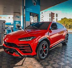 Lamborghini Urus is included in the list of luxury cars in the world. This is one of the luxury cars in Europe. Audi A Land Rover Range Rover, etc. Carros Lamborghini, Lamborghini Cars, Bugatti, Maserati, Dream Cars, My Dream Car, Sexy Cars, Hot Cars, Carros Bmw