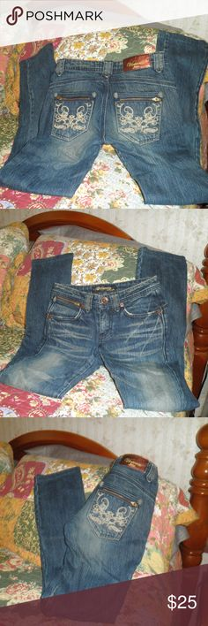 569589f3fef Victoria Jeans Lee Cooper embellished Jeans 25x33 Victoria Jeans Lee Cooper  embellished Jeans 25x33in very good