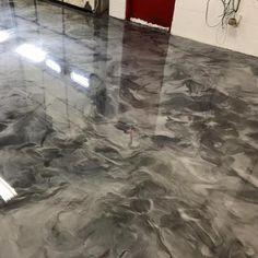 porcelanato líquido epoxi resina autonivelante compra min 4u Floor Stain, Epoxy Floor, Tile Floor, Residential Concrete Floors, Hardwood Floors, Flooring, Crafts, Kitchen Worktops, Wellness Center