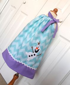 Adorable Snowman Olaf from Frozen Chevron Pillowcase dress...perfect for Christmas or a birthday party!