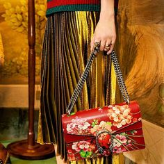 What do you think about the new #Gucci collection? It's awesome, isn't it?  ☝️Double tap if you like it ☝  #guccibag #guccihandbag  #fashion #fashionable #fashionblog #fashionista #fashionshow #fashionblogger #fashiondesigner #instafashion #fashionaddict #fashionstyle #style #styles #stylish #stylist #shopping #styleblogger #styleblog #instastyle #urbanoutfitters #fblogger #stylesubmit #styleinfluencer #brandambassador #instablogger #model #wiwt #ootd