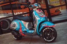 Custom Vespa, Custom Bikes, Vespa Gts 250, Vespa Scooters, Racing, Cars, Inspiration, Ideas, Sportbikes