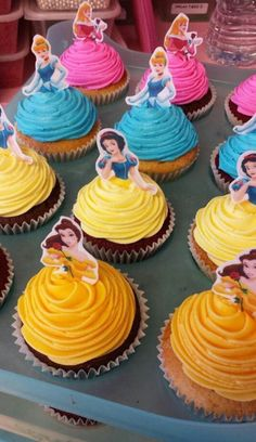 Throwing a Disney Princess party without spending weeks in the kitchen. Planning a Disney Princess party doesn't have to be as painful as kissing a frog. We have everything you need in one place to throw a Disney Princess party. Disney Princess Birthday Party, Disney Princess Party, Cinderella Party, Birthday Parties, Cake Birthday, Princess Birthday Cupcakes, Disney Princess Decorations, Birthday Ideas, Disney Themed Party