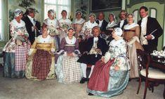 Kostuumgroep de Zaanse Kaper - deels replica, deels antieke kostuums en sieraden van ca. 1780