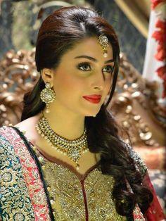 so beautiful ayeza khan pic i love ayeza khan Ayeza Khan, Zarine Khan, Beautiful Bride, Beautiful Women, Beautiful People, Beautiful Suit, Beautiful Celebrities, Beautiful Dresses, Indian Bridal Makeup