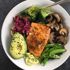 www.sizzlefish.com  Always surround your coho salmon with lots of fresh veggies!via @fitchick428 _ Head to our website: www.sizzlefish.com to order your perfectly portioned fish and shellfish today! Don't forget! Free shipping on all orders!