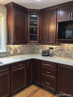 Kitchen backsplash designs - 46 lovely kitchen backsplash with dark cabinets decor ideas 41 – Kitchen backsplash designs Backsplash With Dark Cabinets, Dark Kitchen Cabinets, Kitchen Backsplash, Kitchen Countertops, Backsplash Ideas, Backsplash Design, Kitchen Cupboard, Narrow Kitchen, Open Kitchen
