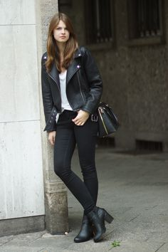 Autumn Boots // Fall Boots from Deichmann More on whaelse.com http://www.whaelse.com/diese-boots/ Leather Jacket, Rock Chic, Streetstyle Berlin, Deichmann Boots, Pepe Jeans Jacket, Forever21 Top, Gina Tricot Jeans